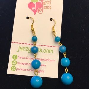 Jewelry - Dangle blue earrings